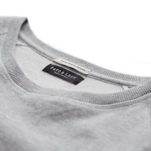 Pavo & Leon Traveller Sweater branding your travel buddy