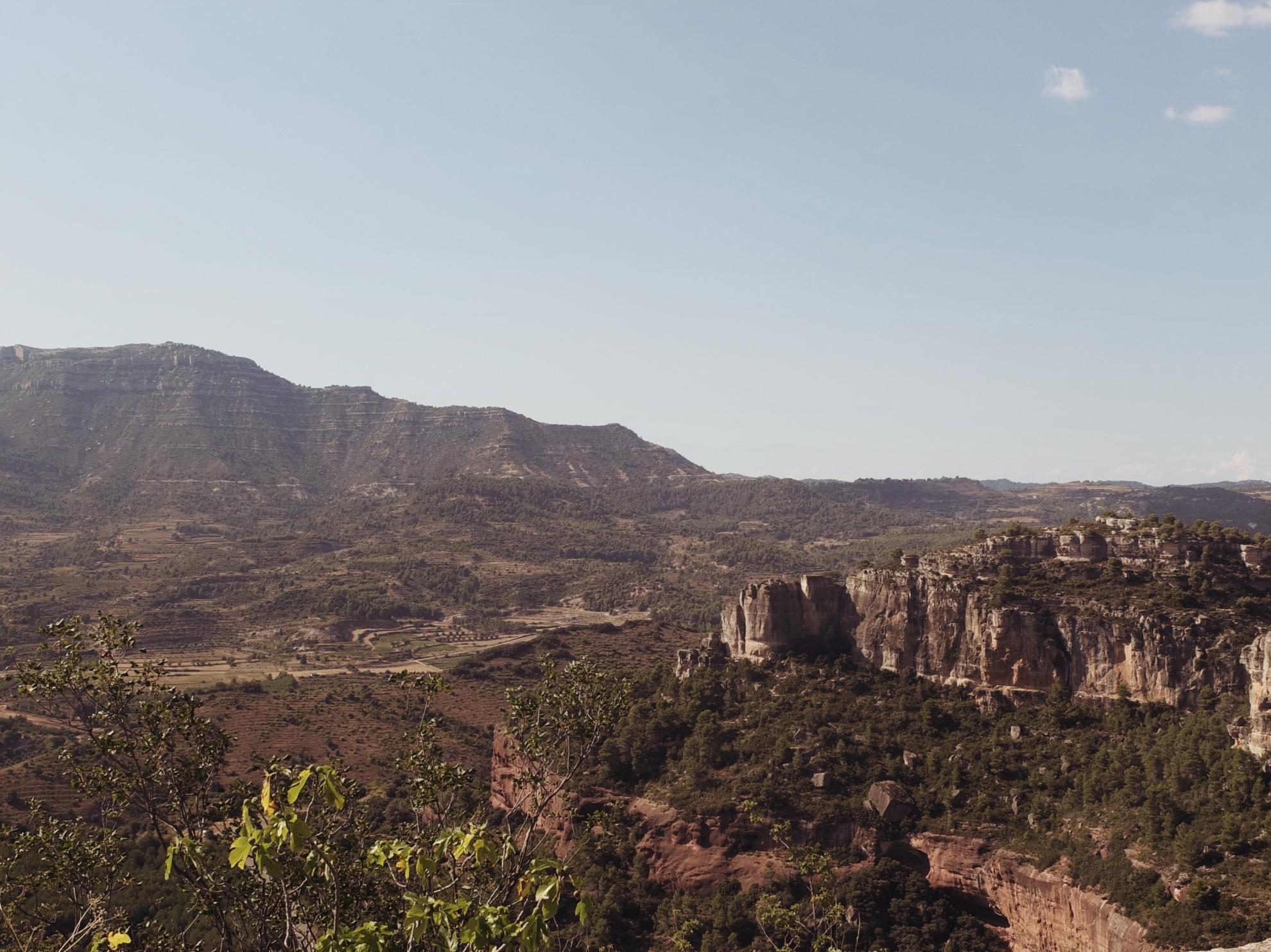 Landschaftsbild im Landesinneren von Katalonien