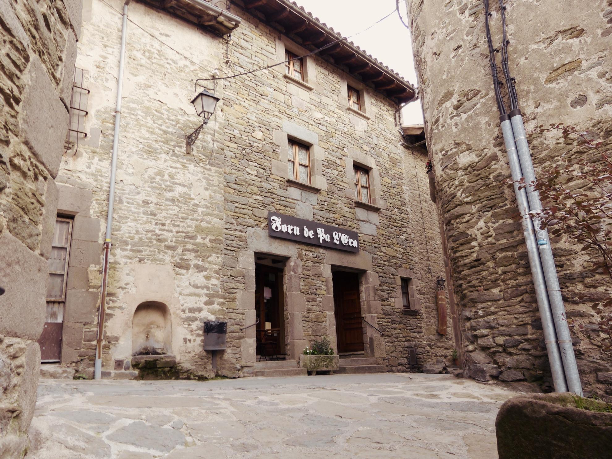 Historische Gassen mit kleinen  Cafes